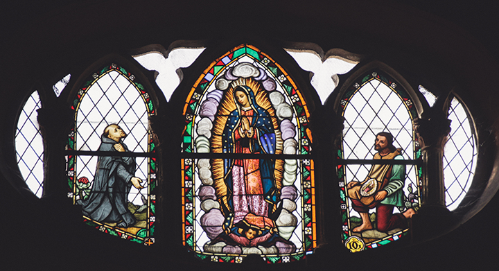 Basilica de Guadalupe stained glass window.png